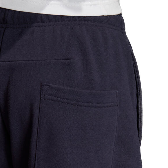 Must Haves Badge of Sport short