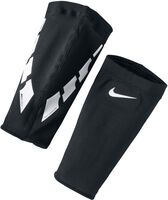 Nike Guard Lock Elite scheenbeschermerhouders Zwart