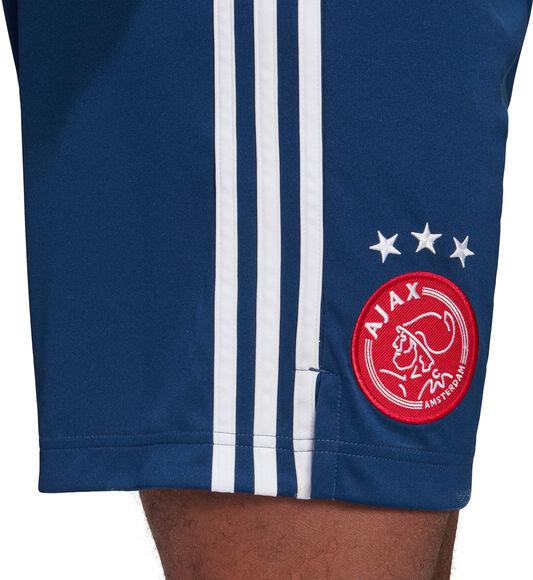 Ajax uitshort 2020-2021