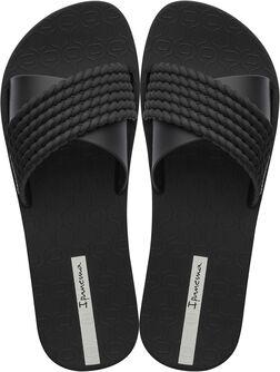 Street slippers