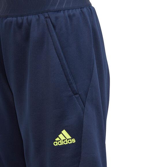 Messi short