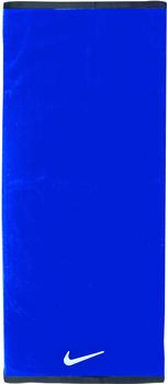 Nike Fundamental handdoek M Blauw